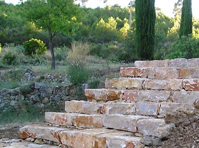 Escalier en pierres s ches var for Construire un escalier en pierre seche